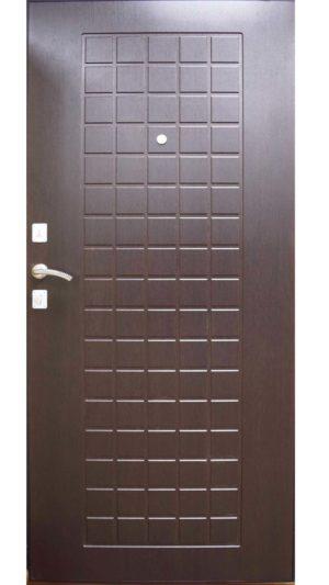 гарда металлическая входная дверь темная панель в цвете дерева